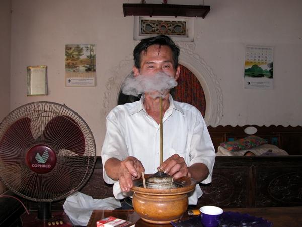 Russian slang - To smoke bamboo